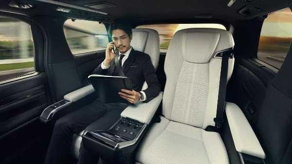 lexus-lm-minivan-luxury-mover