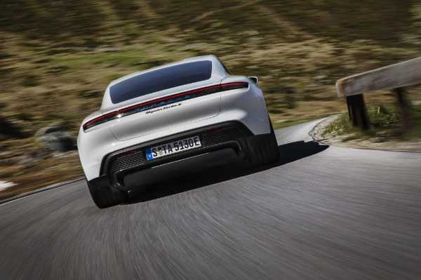 porsche-borrows-hundreds-of-audi-workers-taycan