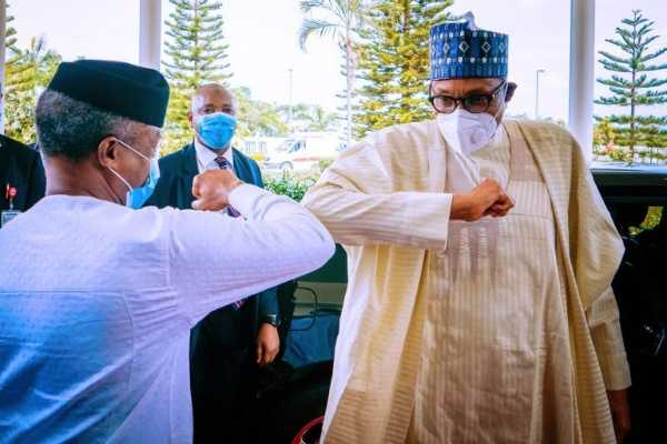 pres-buhari-arrived-ministerial-retreat-mercedes-maybach-s560