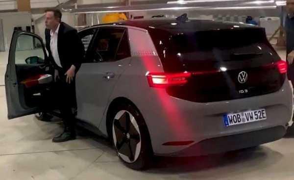 tesla-ceo-elon-musk-met-volkswagen-ceo-test-drives-vw-id-3-electric-car