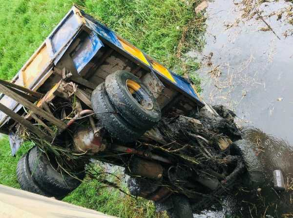 truck-loaded-with-sand-plunges-into-epe-river-in-lagos