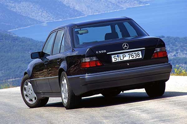 Old School Sunday: Original Mercedes-Benz 500E Clocks 30