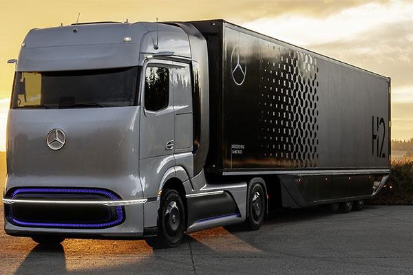 Hydrogen-Based Mercedes-Benz GenH2 Truck Revealed