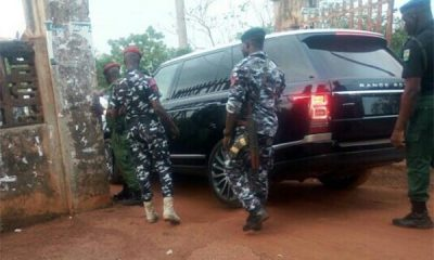 The Moment Enugu State Governor Entered His Bulletproof Range Rover And Avoided Being Pictured (Licked Photo)-AUTOJOSH