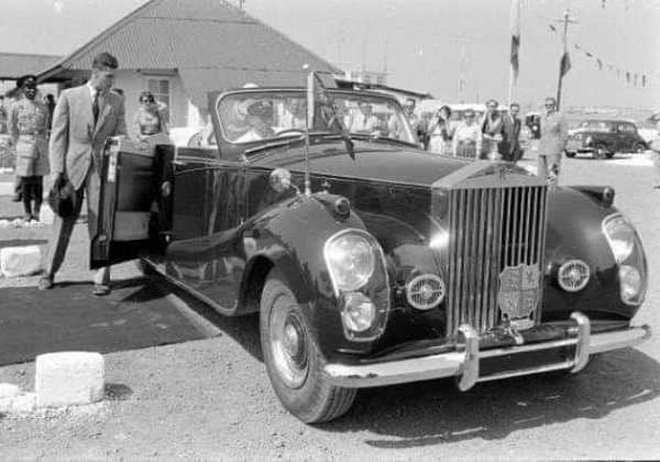 Queen-Elizabeth-Nigeria-Rolls-Royce