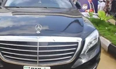 alaafin-of-oyo-arrives-in-style-at-oba-akamo-60th-birthday-mercedes-s500-car