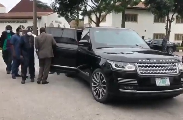 Bola Tinubu arrived in bulletproof Range Rover Sentinel SUV as he visits Gov Sanwo-Olu-autojosh