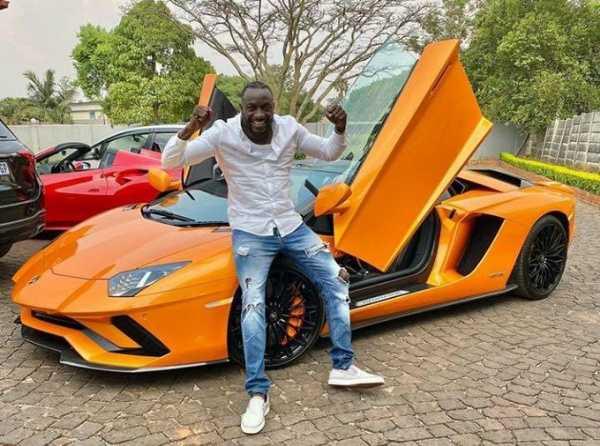 genius-kadungure-ginimbi-businessman-from-poverty-striken-zimbabwe-turn-heads-with-new-lamborghini-aventador