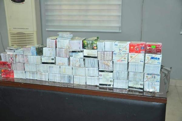 customs-arrest-dubai-passenger-atm-cards-in-kano