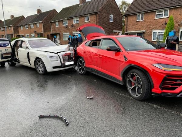 Expensive crash, driver of Rolls-Royce Ghost sedan flees after crashing into two cars, including red Lamborghini Urus SUV-autojosh