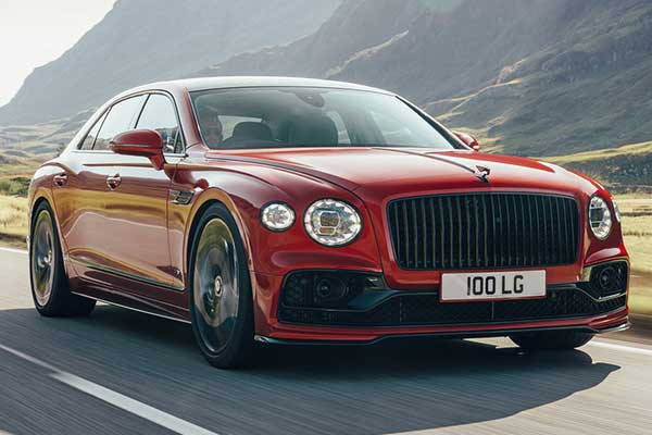 Bentley Flying Spur Sheds Weight With New 542Hp twin-turbo V8 Engine