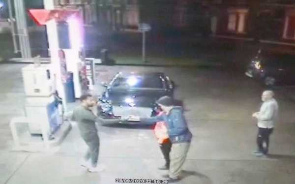 liverpool-star-mo-salah-pulled-up-at-petrol-station-in-his-bentley-to-save-homeless-man
