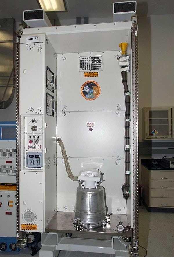 nasa-international-space-station-iss-toilet