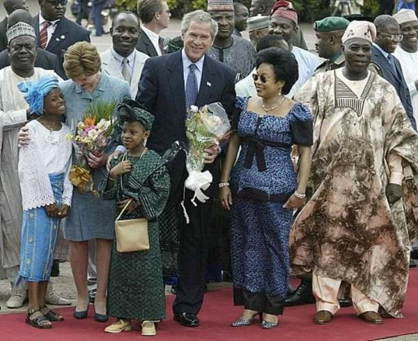 Throwback 2003 : US President George W Bush Rolls Armoured Cadillac DeVille Limo Into Nigeria - autojosh