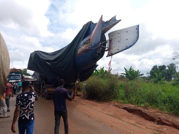 trailer transporting airplane