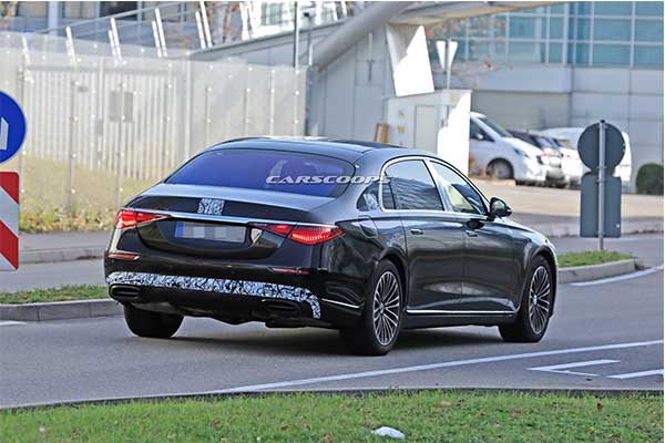 2021 Mercedes-Maybach S-Class Spotted With Less Camo