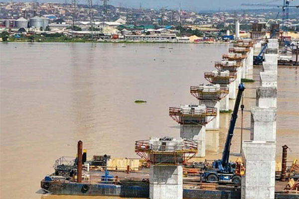 2nd Niger Bridge Reaches 50% Completion, Will Be Ready For Use In 2022, Fashola Assures - autojosh