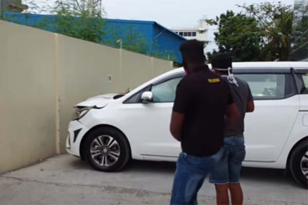 Watch How This Brand New Kia Carnival Minivan Was Slammed On The Showroom Wall By The Driver ( Video/Photo)