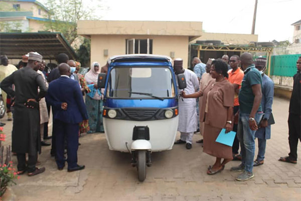 NADDC Boss Meets Young Engineers Who Converts Engine-based Tricycles To Run On Batteries - autojosh