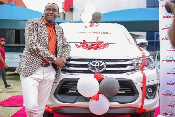 Actor Femi Adebayo Signs Multi-million Naira Deal With Unique Motors, Gets ₦35m Hilux Truck - autojosh