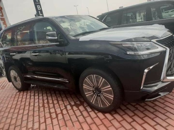 Why Arthur Eze Gifted 12 Traditional Rulers Lexus LX 570 SUVs After Being Suspended By Gov. Obiano Of Anambra - autojosh