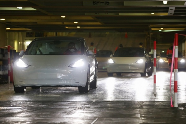 First Shipment Of China-made Tesla Model 3 Arrives In Europe - autojosh