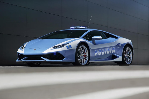 Police In Italy Uses Lamborghini Huracan Patrol Car To Deliver Urgently Needed Kidney - autojosh
