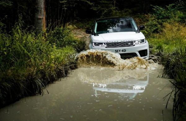 Reckless Danfo Driver Crashes Into ₦18m Range Rover Sport SUV - autojosh