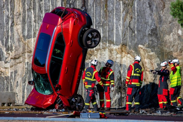 Volvo Drops 10 Cars From The Sky In Extreme Crash Test - autojosh