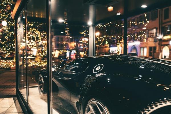 Bugatti Displays One-off $18m La Voiture Noire Hypercar In Molsheim, France To Celebrate Christmas - autojosh