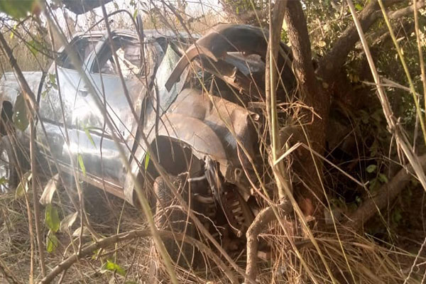 Six Escaped Death After Two Vehicles Fell Into A Valley And Somersaulted In Awka - autojosh