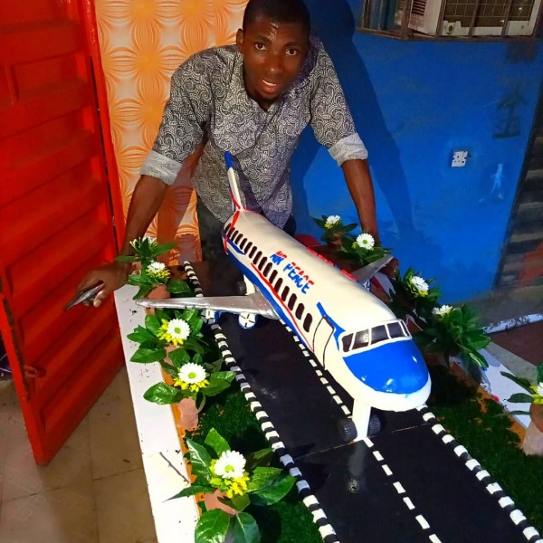 Man Honours Air Peace, Bakes A Cake To Look Like Its Plane - autojosh