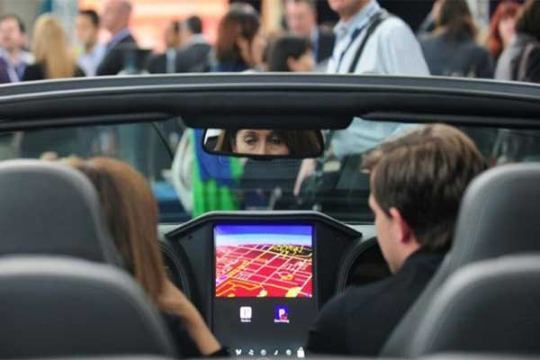BlackBerry And Amazon Team Up On Smart Car Software Platform