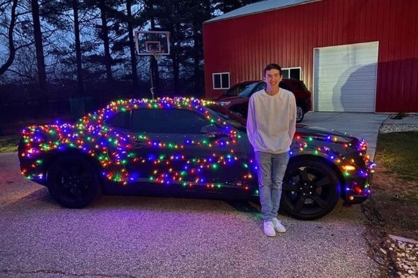 Teenager Turned Heads After Decking His Chevrolet Camaro With Christmas Lights - autojosh