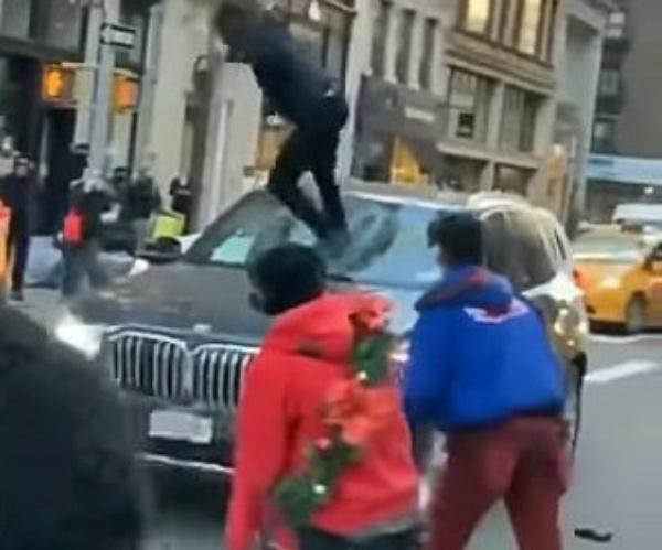 Watch Gang Of Teen Bicyclists Smash A 2019 BMW SUV In Manhattan - autojosh