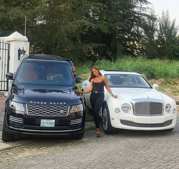 """""""I'm Still Looking For Husband"""", 40-year-old Linda Ikeji Says As She Flaunts Her New Range Rover And Bentley Mulsanne - Autojosh"""