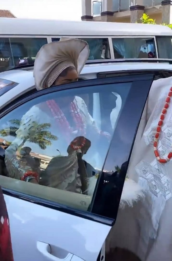 Malivelihood Gifts Wife Porsche Cayenne Worth N75m During Traditional Wedding - autojosh