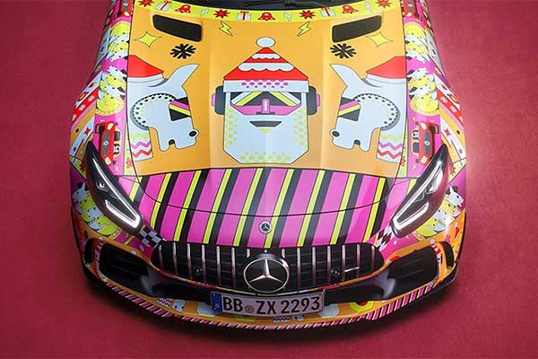 Mercedes-Benz Wraps 2 Cars In Christmas Sweater Colours