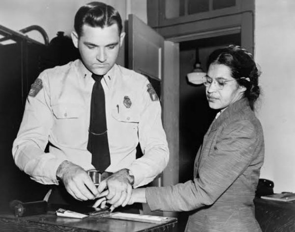 65 Years Ago, Parks' Refusal To Give Up Her Seat To A White Man Triggered 381-day Bus Boycott By Blacks - Autojosh