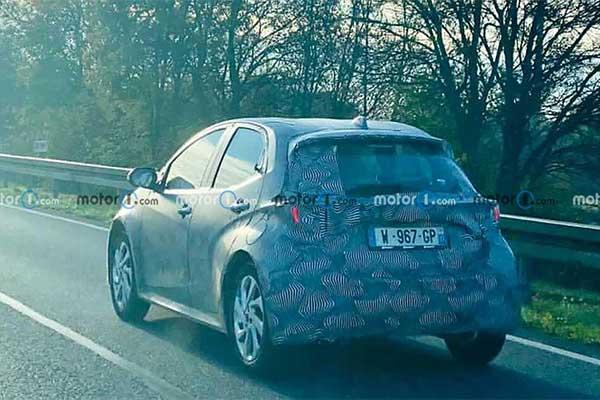 Toyota Aygo Spy Photos Leaks Looking Like A Tiny Yaris