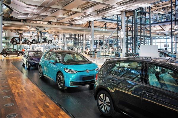 The Last Volkswagen e-Golf Rolls Off The Assembly Line - autojosh