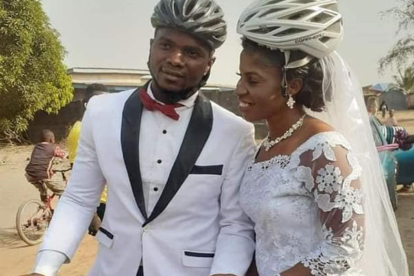 Sierra Leone Couple Uses Bicycle To Attend Their Wedding Reception