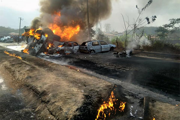 Three Lives Lost, 7 Vehicles Burnt After Out Of Control Fuel Tanker Crashed Into Motorcycle In Ogun - autojosh