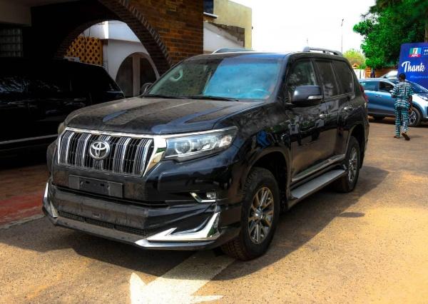 Gov. Akeredolu Presents 2020 Toyota Prado SUV And Hilux Pickup To Ondo Deputy Speaker - autojosh