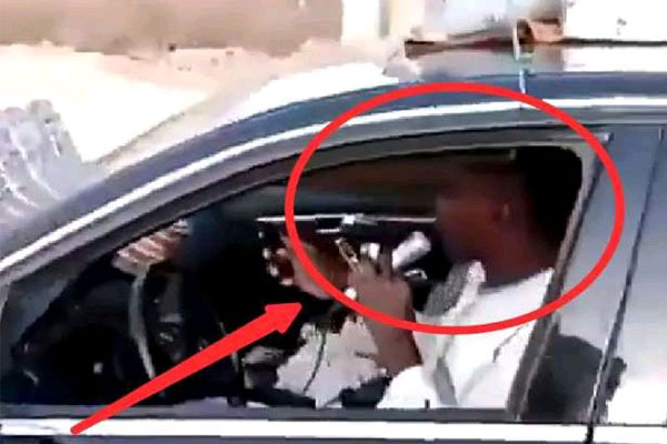 Moment When Man Used Mercedes-Benz C300 Worth 3.5Million To Hawk Herbal Product In Kaduna (PHOTOS