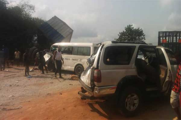 27 People Narrowly Escaped Death After 7 Cars Crashed In Anambra