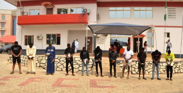 EFCC Arrests 11 Suspected Internet Fraudsters 'Yahoo Boys' In Osun, 12 Cars Recovered - autojosh