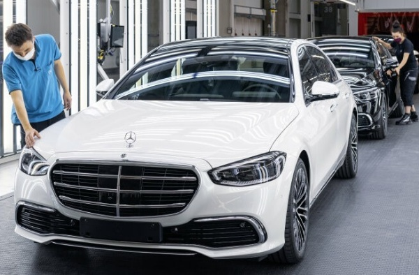 Man And Machine : A Peek Into How Mercedes-Benz Build All-new 2021 S-Class At Its 5G-enabled Factory 56 -