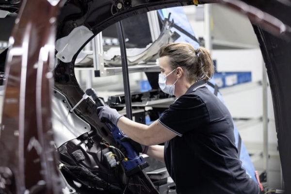 Man And Machine : A Peek Into How Mercedes-Benz Build All-new 2021 S-Class At Its 5G-enabled Factory 56 - autojosh