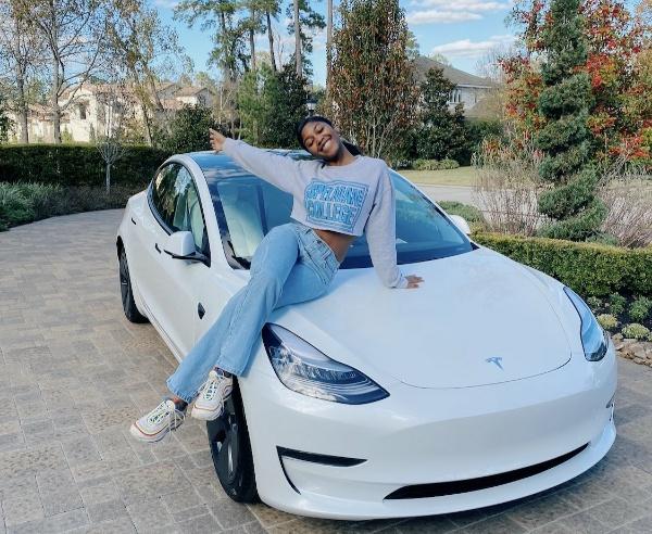 Lady Buys All-electric Tesla Model X To Celebrate Graduation - autojosh